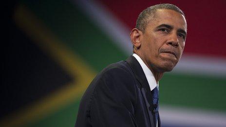 Baadhi ya wachambuzi kisiasa nchini Afrika Kusini na wamemtuhumu Barack Obama kuto toa mchango wa kutosha kwa ajili ya bara la Afrika, ingawa baba yake ni mkenya.